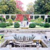 Rosengarten in Farbenpracht