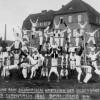 Spremberg: Akrobaten vor der Spielschule