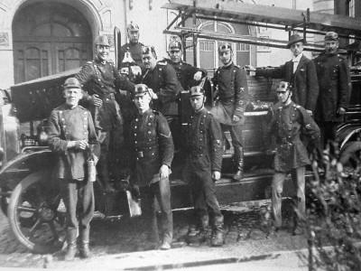 Altes Forst: Freiwillige Feuerwehr Forst und ihre erste mobile Motorspritze