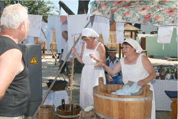 Burg: Bauernmarkt am 9. und 10. Juli