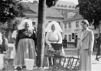 Cottbus: Marktfrauen auf dem Berliner Platz