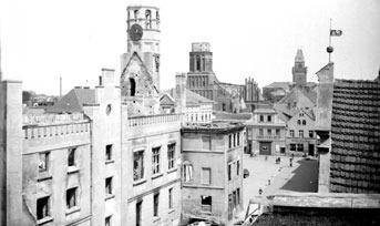 Cottbus: Rathaus und Markt etwa um 1946