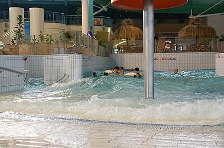 Cottbuser Freizeitbad bleibt in zweiter Augusthälfte geschlossen - Freibad bleibt offen