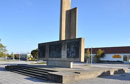 Sanierungspflicht fürs Pieck-Denkmal