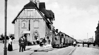 Cottbus: Holzhaus als Spreewaldbahnhof