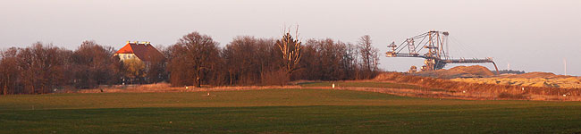 Gut Geisendorf startet in die Kultursaison, während sich die Grube füllt