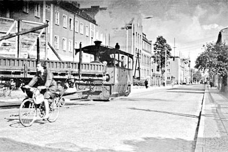 Forst: Bahnhofstraße mit Polizei zu sehen