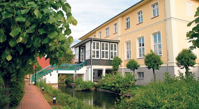 """Märkis Einkehr-Tipp: Historisch essen in Neupetershains """"Zum Gutshof"""""""
