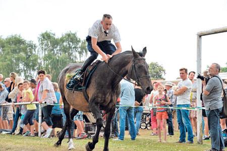 Turnow: Dreiundzwanzig Reiter in Turnow erwartet