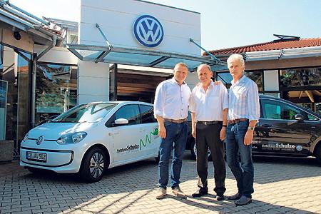 Autohaus Schulze feiert 25-jähriges Jubiläum mit Hoffest
