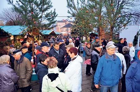 Geschenke aus Guben zum Fest auf dem Weihnachtsmarkt am 12.12.