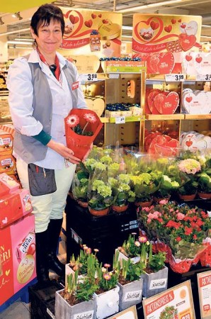 Shoppingbummel am Valentinstag, 14.2. im Neiße-Center in Guben