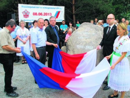 2014 war die Erinnerungsstätte Groß Lieskow eingeweiht worden. Jetzt zieht das Ensemble an den neuen Standort Foto: TRZ