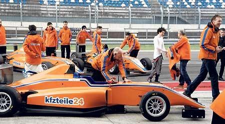Renn-Nachwuchs testet auf dem Lausitzring
