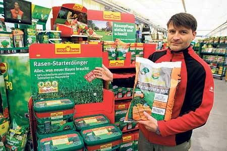 Pflanzencentrum informiert am 9.4.: Der Gartenrasen - ohne Moos viel los