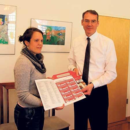 Senftenberger Studenten bekommen Gutscheine