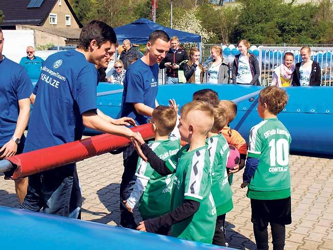 Sportliches Volkswagen-Fest in Cottbus
