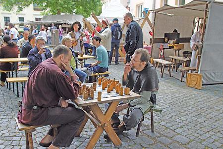 Senftenberg feiert vom 24. bis 26.6.16 Peter und Paul-Markt