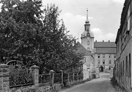 """Lieberose - Grab der Jugend"""