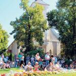 Burg: Hahnrupfen, Gurken, Rock'n Roll | Heimat- und Trachtenfest am letzten August Wochenende, 26.08.2016