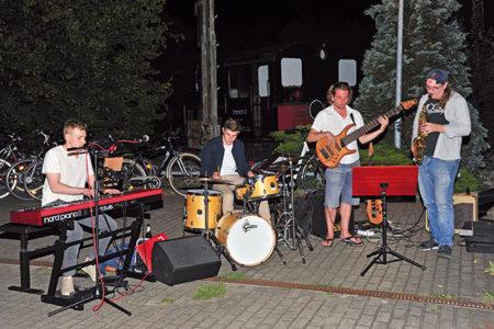 Cottbus: Jazzig mit der Parkeisenbahn