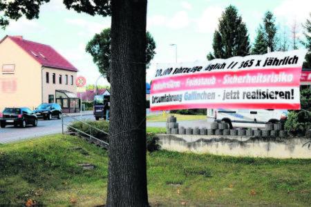 Anwohnerprotest gegen die Verkehrsbelastung im Zentrum von Gallinchen