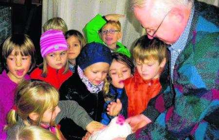 Die Nachwuchsarbeit ist für die Forster Züchter sehr bedeutsam. Kinder und Jugendliche sind immer gern gesehen F.: Verein