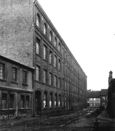 Zedlitzer Straße mit Eisengießerei