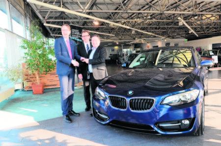 Handwerk nimmt mit BMW Fahrt auf