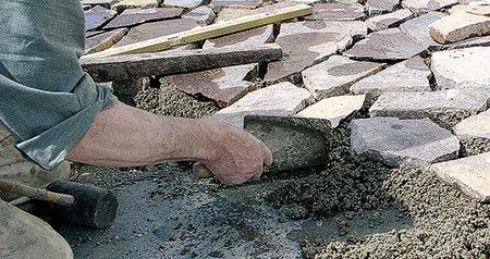 Naturstein-Pflaster liegt derzeit voll im Trend