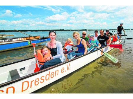 Hunderte Drachenbootfahrer schlagen am 9./10. Juni hohe Wellen in Neuhausen