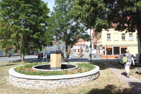Fanfaren eröffnen Brunnenfest in Vetschau