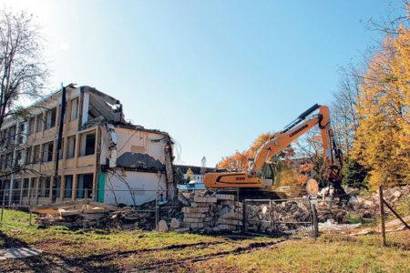 Lauchhammer: Schule verwandelt sich zu 15 000 Tonnen Schutt