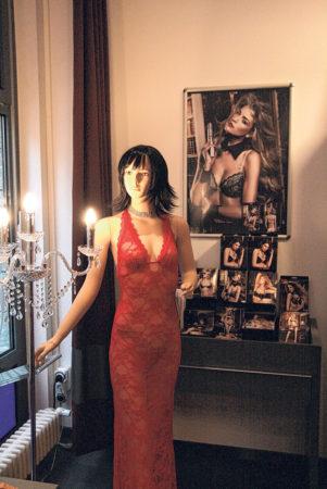 Cottbus: Uhren, Schmuck und Erotik