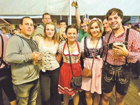 Cottbus: Oktoberfest im Saal Auf Wacker