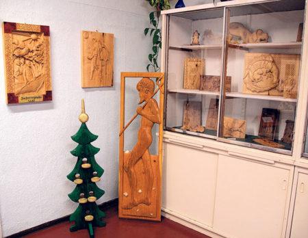 Schnitzkunst und Patchwork in der Schwarzheider Heimatstube