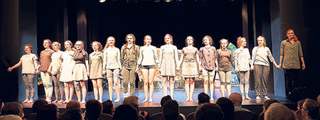 Senftenberg: Ein Maifest mit Sonne und Shakespeare-Stürmen