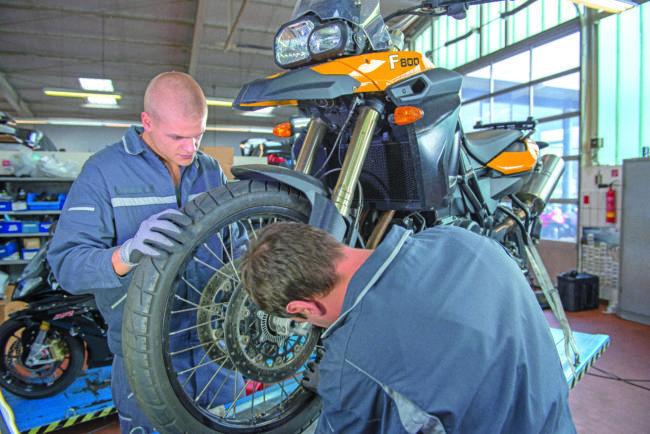 Sicherheits-Check beim Motorrad wichtig