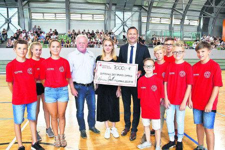 Lausitzer Sportschule Cottbus erhielt weiteren Fördermittel-Scheck