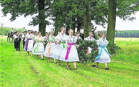 Erntefeste mit Hahnrupfen in Willmersdorf, Dissen, Jänschwalde und Maust