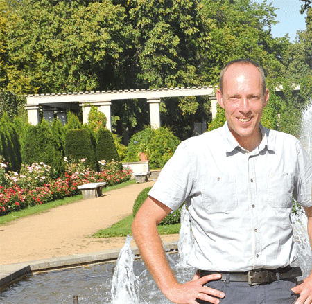 Forster Parkmanager stellt am 26.08. Promi-Rosen vor