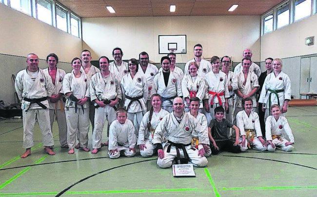 Karate ist kein Sport für Selbstdarsteller