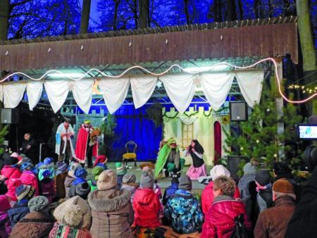 Märchenwald im Schlosspark Neuhausen am 1. Advent