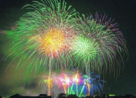 Feuerwerksshow am 23.11.18 vor dem Marktkauf in Lauchhammer