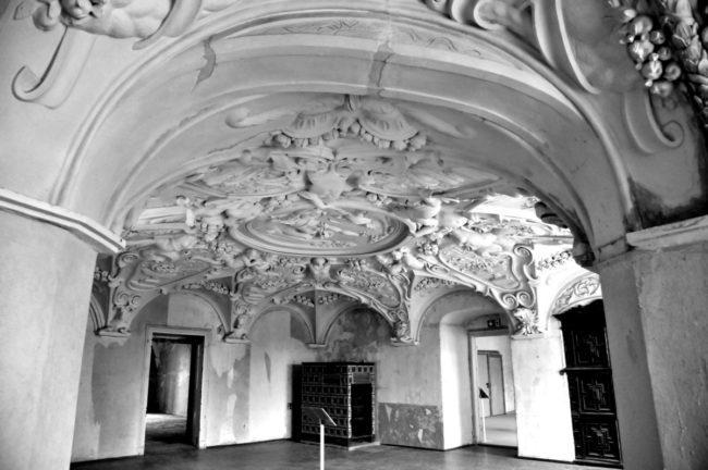 Damals war's Niederlausitz: Der Stuck im bekannten Dianazimmer