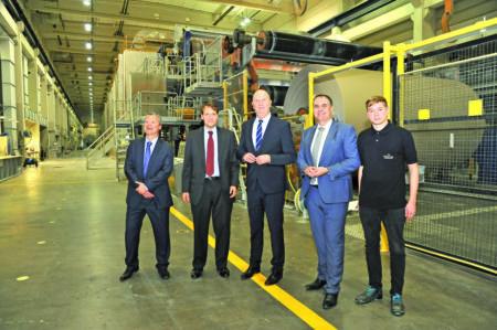 Woidke besucht Papierfabrik in Schwarze Pumpe am 6.12.18