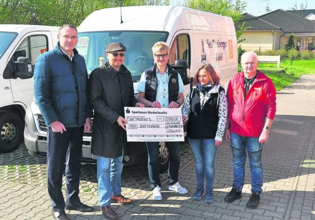 Stadt Senftenberg und KWG unterstützen Tafel