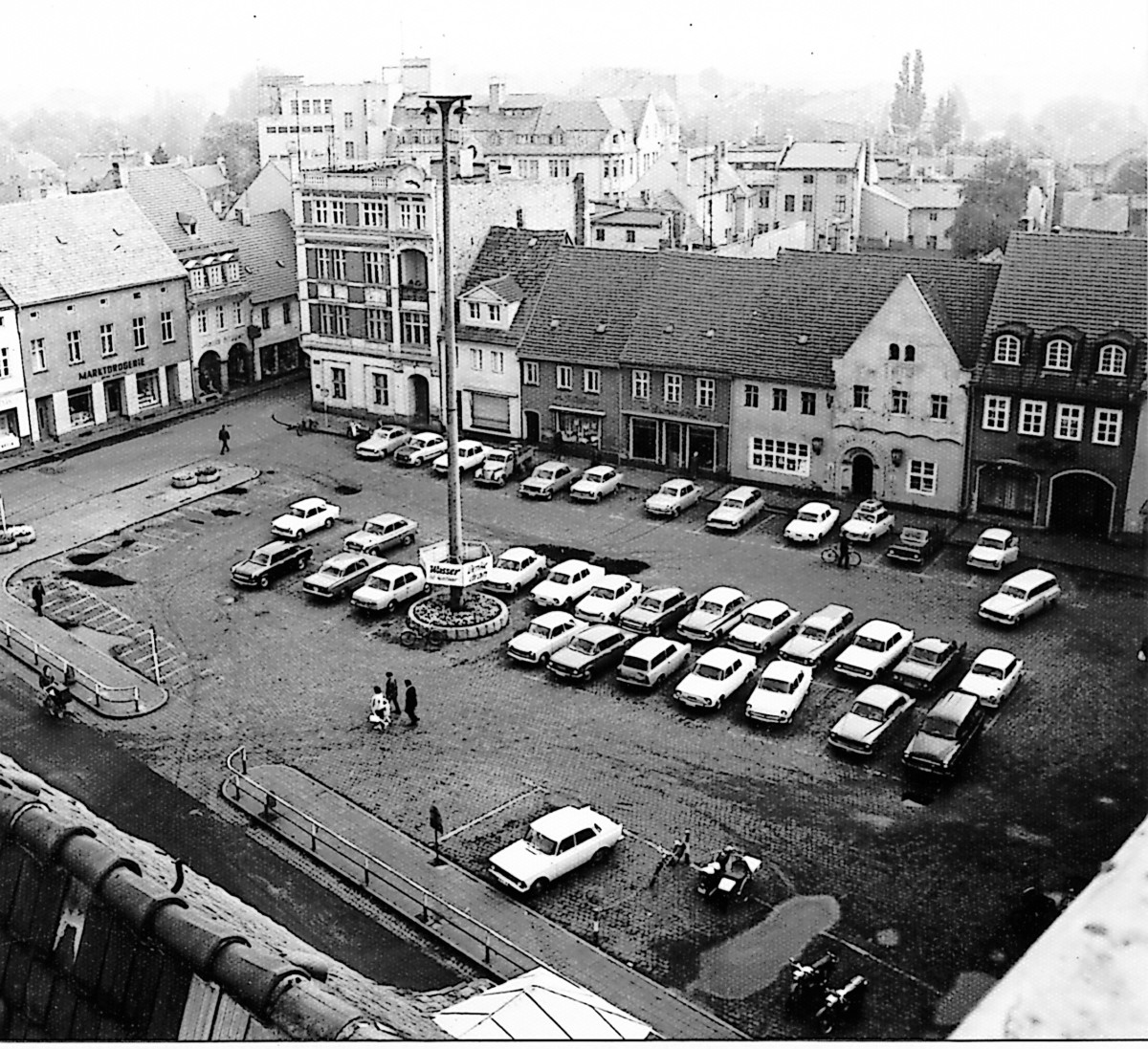 """Damals war's Niederlausitz: Markt mit dem """"Langen Hermann"""""""