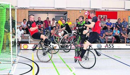 Spitzen-Radballsport in Großkoschen