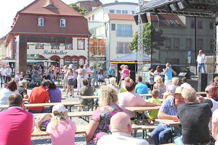 Der Vetschauer Marktplatz wird zur Tanzfläche